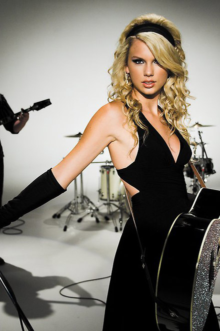 Taylor-Swift-b01